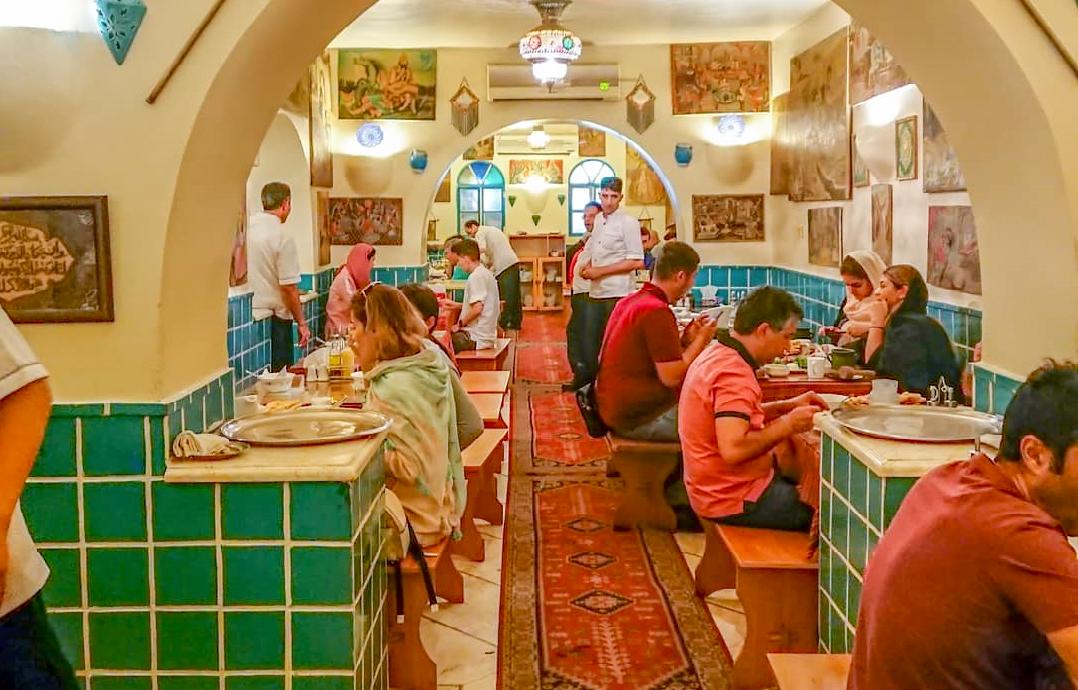 رستوران های دیزی سرای تهران ، یک آبگوشت خوشمزه