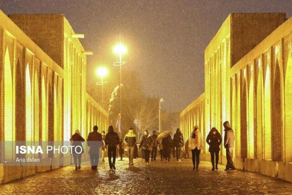 کاهش 8 تا 14 درجه ای دمای هوای اصفهان