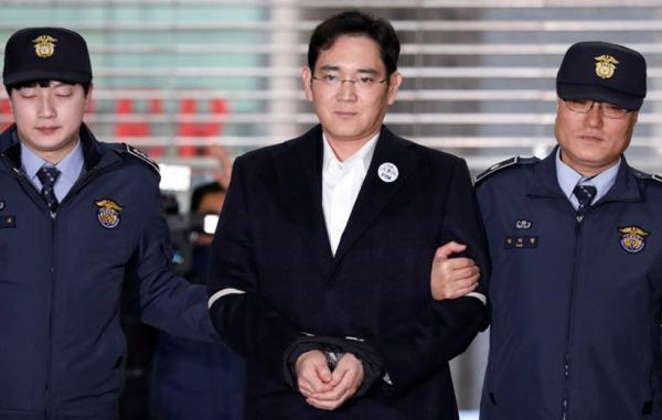 وارث شرکت سامسونگ به اتهام پرداخت رشوه به 2.5 سال زندان محکوم شد